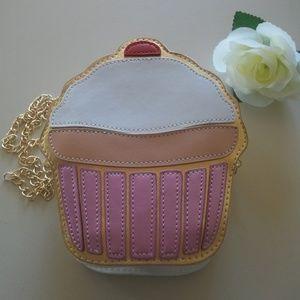 Other - Cupcake Gold Chain Shoulder Bag